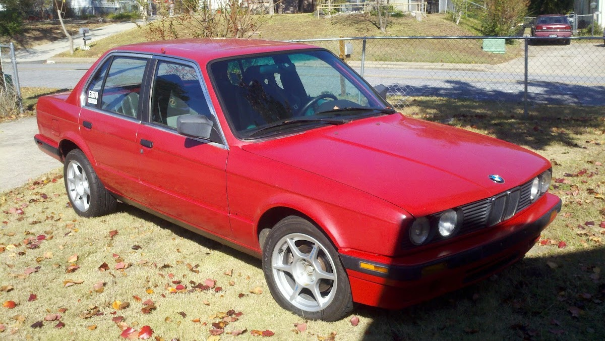 this bmw 3-series e30 runs on a ford-sourced 302 v8