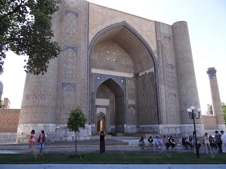32. Moscheea Bibi - Khanym Samarkand.JPG