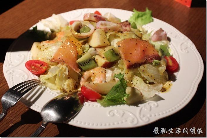 台北-美麗華金色三麥。生日套餐,海鮮水果沙拉。