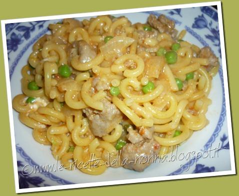 Gramigna senza glutine con ragù di salsiccia e piselli (6)