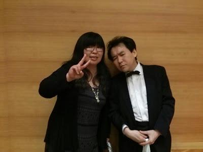 演奏お疲れ様でした。M先輩と記念写真<m(__)m>