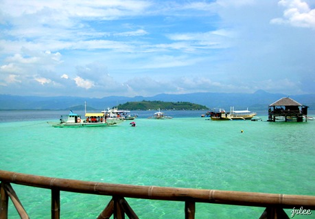 white sand bar in manjuyod