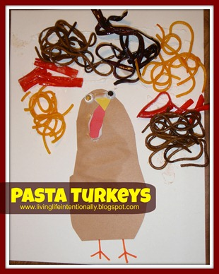 Pasta Turkeys Thanksgiving Craft for Toddlers and Preschoolers