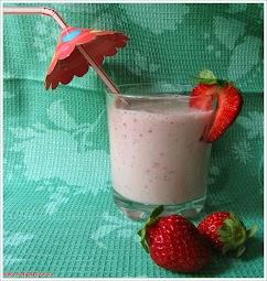 Молочный коктейль с клубникой www.samapovar.ru
