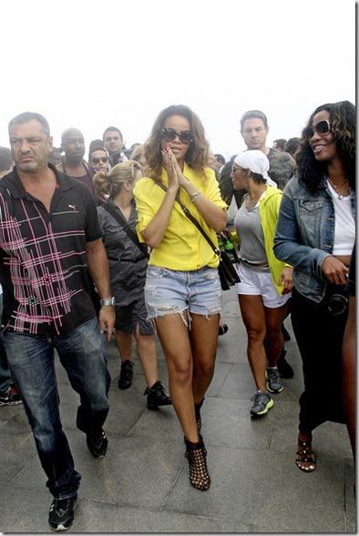 Rihanna Rihanna Tours Rio mPfp8lNYdbyl