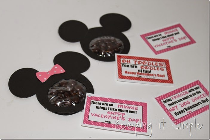 Mickey mouse and Minnie Mouse Homemade Valentines with Printable (10)
