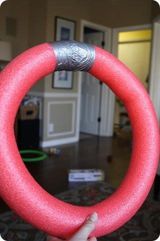 pool noodle wreath form