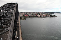 Harbour Bridge, with Kirribilli House on the right