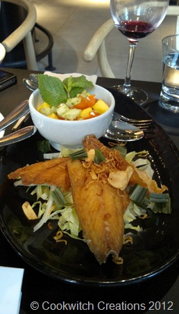 Fried fish and mango salad with salsa