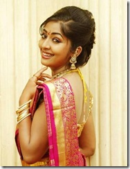 navya-nair_in_saree