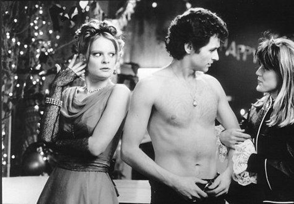 still-of-martha-plimpton,-catherine-kellner-and-brian-mccardie-in-200-cigarettes-(1999)-large-picture