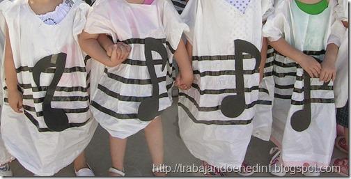disfraz escolar de musica con bolsa