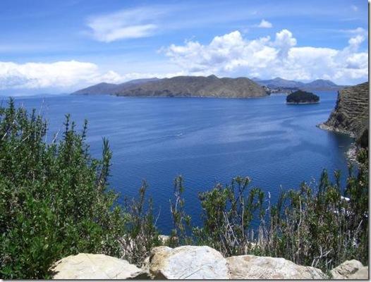 Lake_Titicaca_01