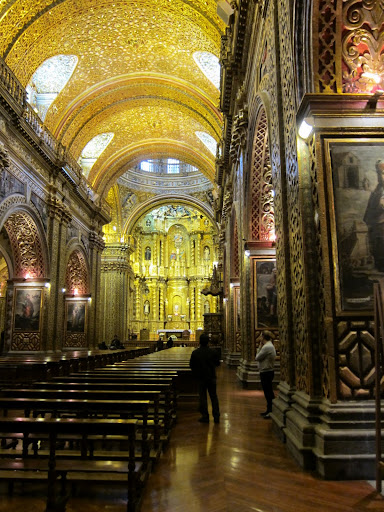 Impressive gold leaf inside the Iglesia La Compañía, Quito