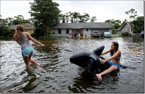 happy-flood-people-30