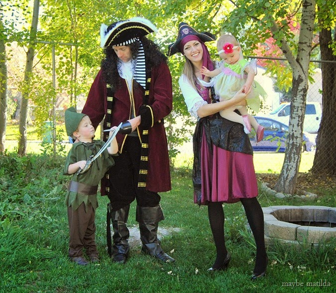 family peter pan halloween costume idea