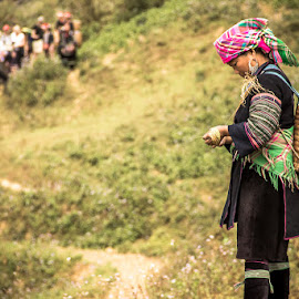 Trekking in rural Vietnam by Monika Rozanska - People Street & Candids ( canon, explore, minority, mountail, vietnamese, travel, weaving, break, adventure, asia, sapa, 'se asia', hill, 18-135mm, travelholiday, grass, trekking, vietnam, traditional, rural, holiday, backpacking, traveling, female, dao, basket, local )