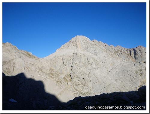 Jito Escarandi - Jierru 2424m - Lechugales 2444m - Grajal de Arriba y de Abajo (Picos de Europa) 0050
