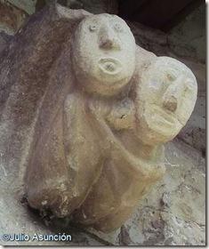 Canecillo de San Esteban de Eusa
