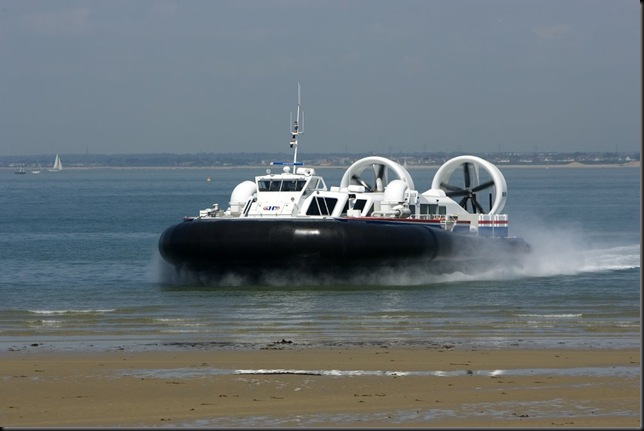 Hovercraft photo - Solent Express May 07 108