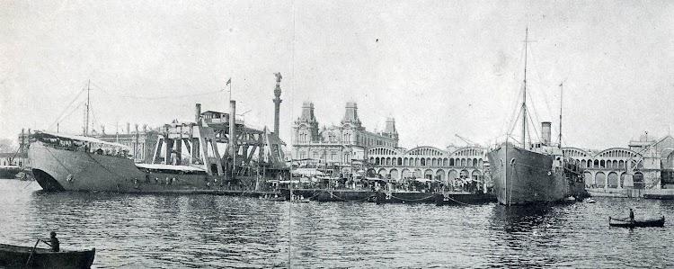 El KANGURO, el ALMIRANTE LOBO y una flotilla de torpederos y submarinos. Puerto de Barcelona. Foto de la MEMORIA DEL PUERTO DE BARCELONA. Año 1922-1923.jpg