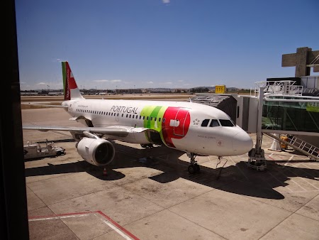 23. TAP Portugal la Lisabona.JPG