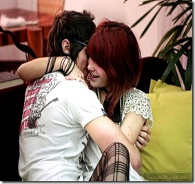 Hug-emo-couple-cuddling-girl-and-boy-fun-gorgeous