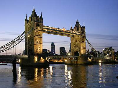Obiective turistice UK - Tower Bridge Londra.jpg