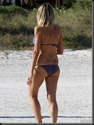 rita-rusic-purple-bikini-miami-07-675x900