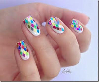 coloridos ejemplos de uñas decoradas