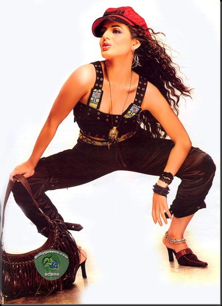 Amisha Patel 025