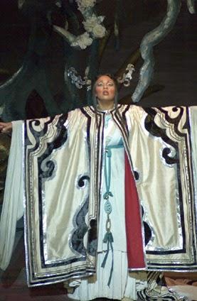 SINGER SPOTLIGHT: Soprano OTHALIE GRAHAM as Puccini's Turandot