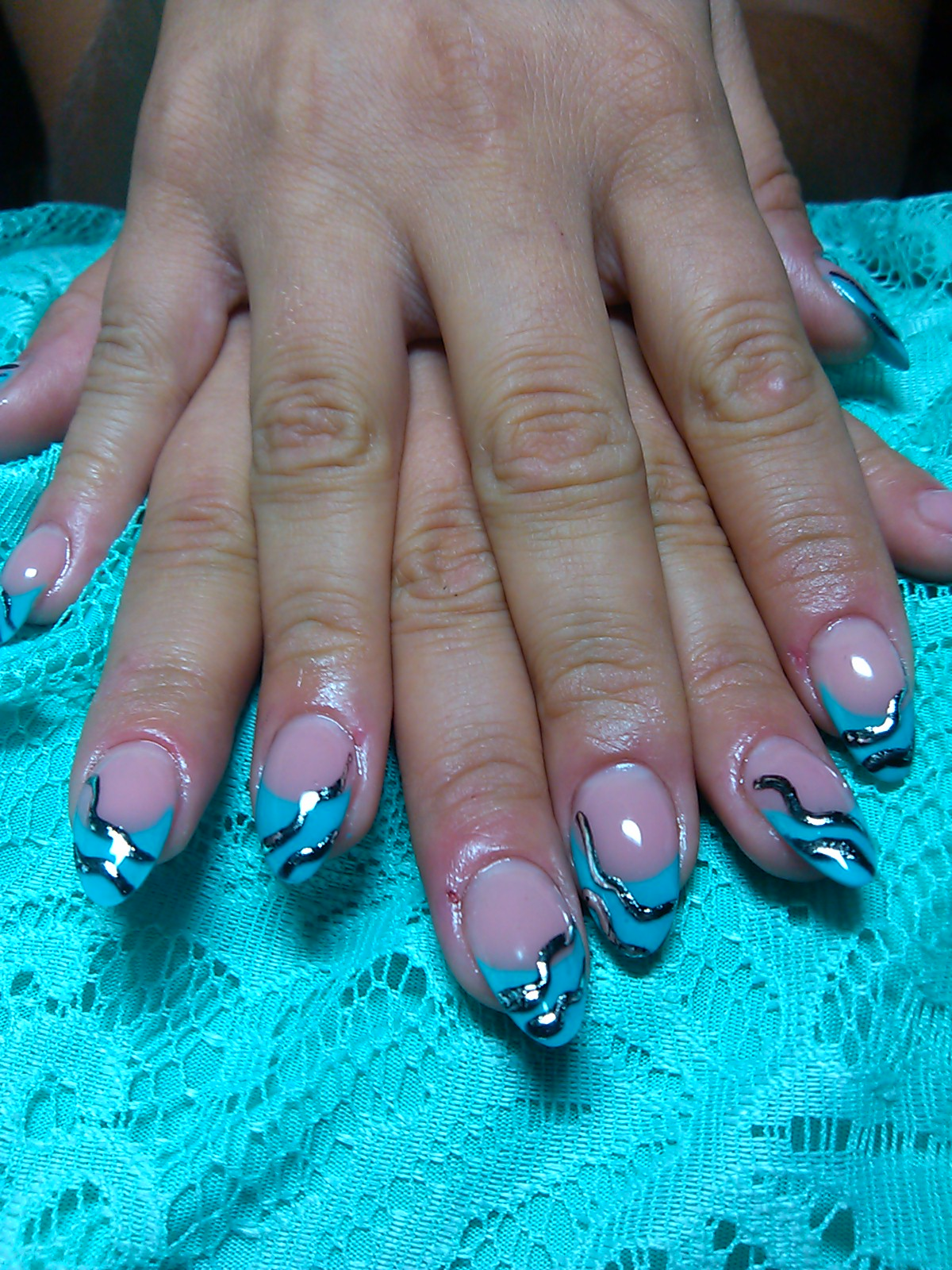 Нарощенные ногти синий френч