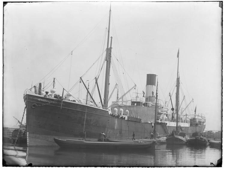 El vapor PYRRHUS en 1895. Foto de la excelente web KUSTVAART.jpg