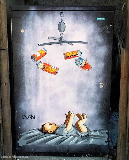 2risunki Bristol Graffiti Street Art