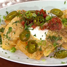 Shredded Chicken Nachos with Pico de Gallo