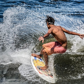 to starboard by Jose Augusto Belmont - Sports & Fitness Surfing ( praia, niterói, surfing, sports, itapuca, beach, surf,  )