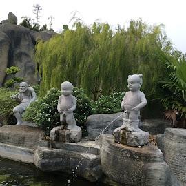 by Mary Yeo - City,  Street & Park  City Parks (  )