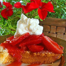 Cream Cheese Pound Cake With Strawberries and Cream