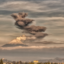 Smoking volcano by Cristobal Garciaferro Rubio - Landscapes Mountains & Hills ( volcano, popo, smoking, mexico, puebla, smowy volcano, popocatepetl, volcanoes, lenticular clouds, eruption, smokw )