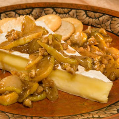 Brie With Balsamic Pears