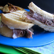 Green Chili Roast Beef Sandwiches