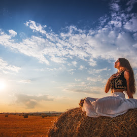 Summer days by Stoica Adrian - People Portraits of Women ( fashion, girl, portret, woman, summer, people )