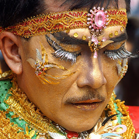 Pernak-pernik by Willy Aprillianto - People Fashion ( jfc, carnival, make-up, culture )