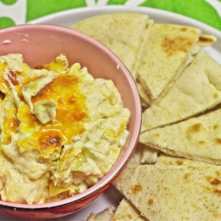 Creamy, Three-Cheese Artichoke Dip