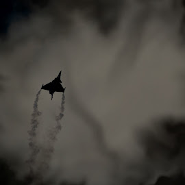Fighter aircraft - smoke effect by Emraan Bhatti - News & Events World Events ( mirage, dubai airshow )