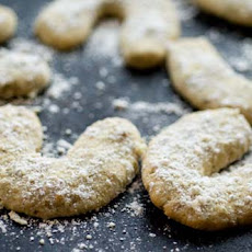 Pepita-lime Crescent Cookies