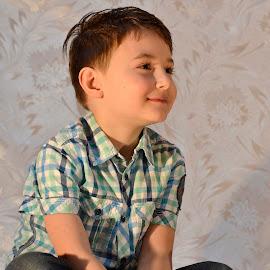 boy by Iulian Cahul - Babies & Children Child Portraits ( child )