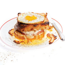 Croque Madame (Ham and Cheese With Fried Egg)