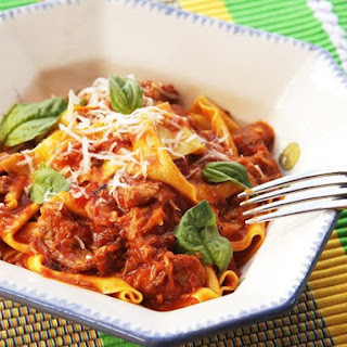 Ragú Napoletano (Neapolitan-Style Italian Meat Sauce with Pork, Beef, and Sausage)